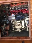 Delvis demonterade motorer